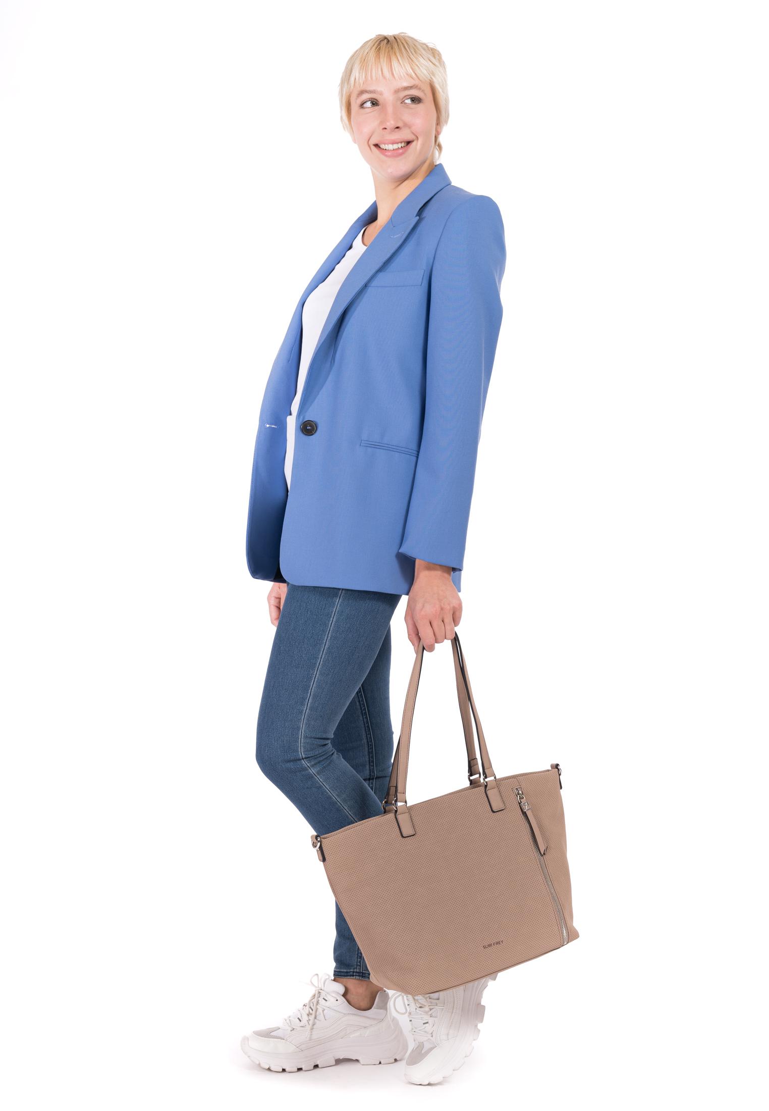 Shopper Romy Hetty mittel